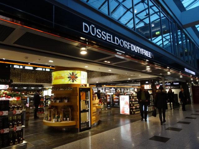 デュッセルドルフ空港で乗り継ぎ